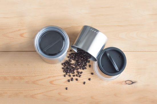 Reducción de residuos de un solo uso con almacenamiento de café