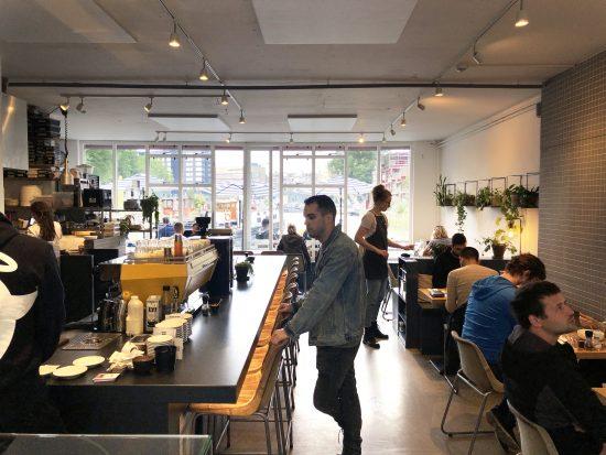 Beba café en los Países Bajos en estos cafés únicos de Rotterdam
